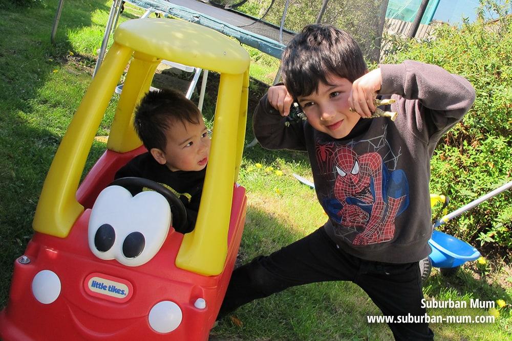 boys-garden2