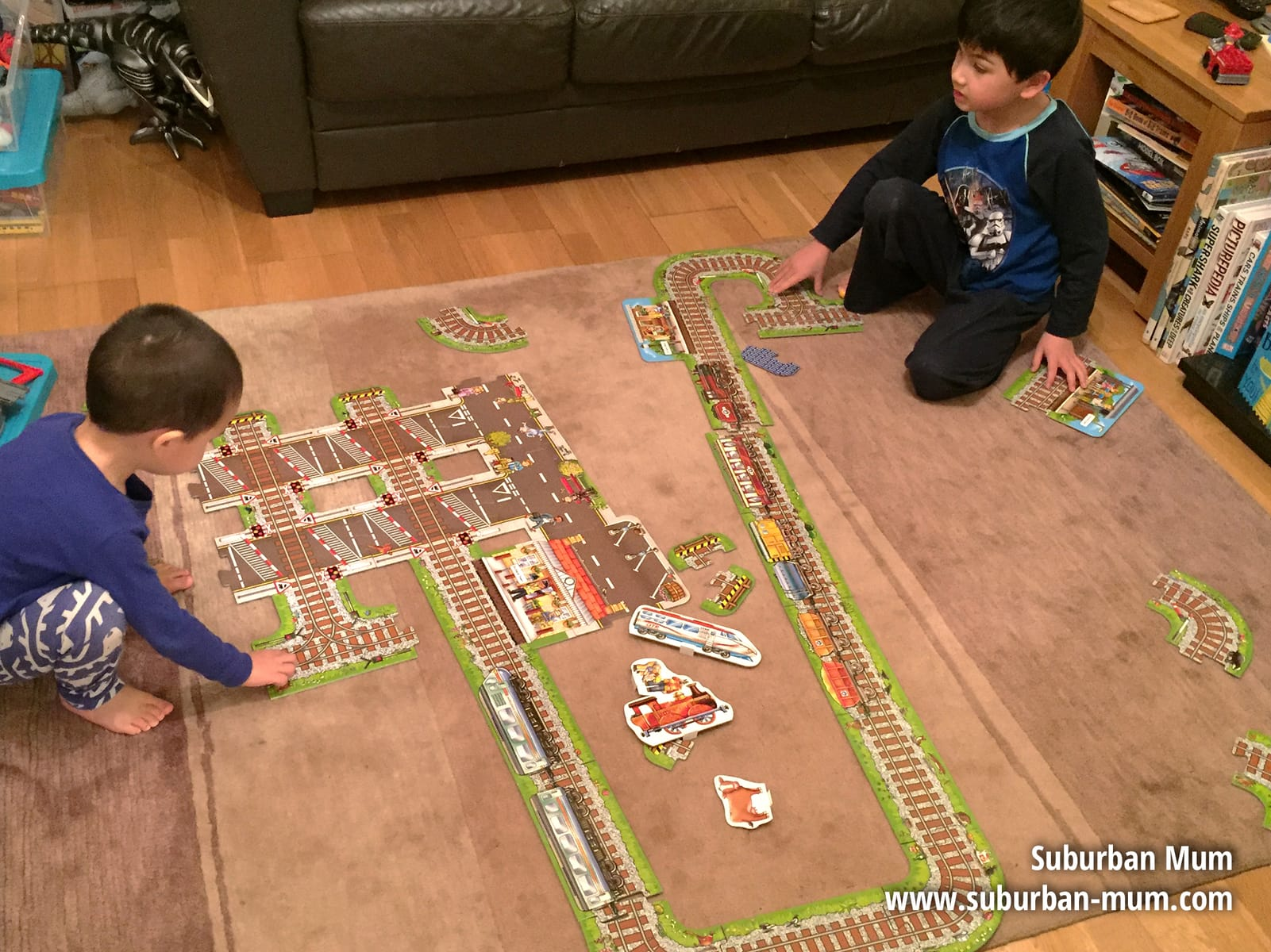 orchard-toys-train-puzzle