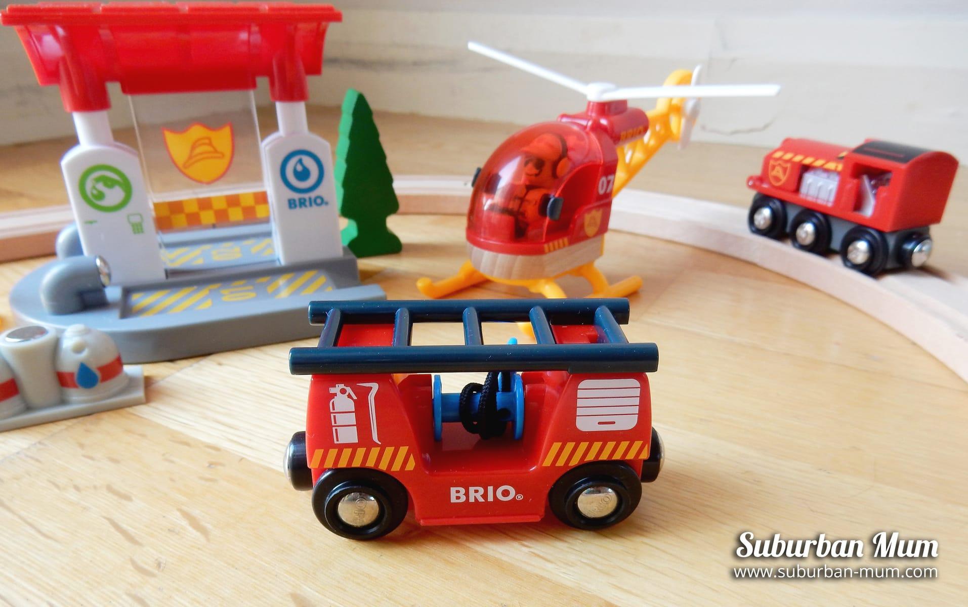 brio-fire-engine