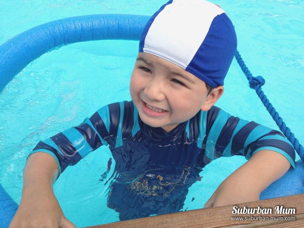 e-first-swimming-lesson