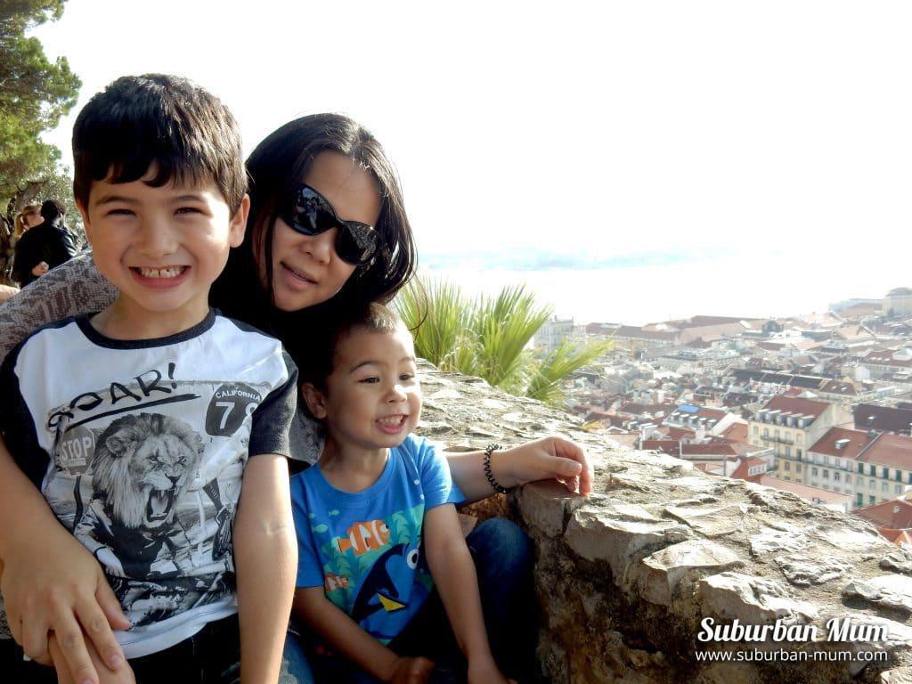 boys-lisbon-castle