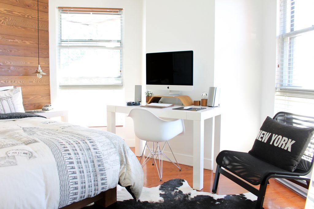 office-in-bedroom