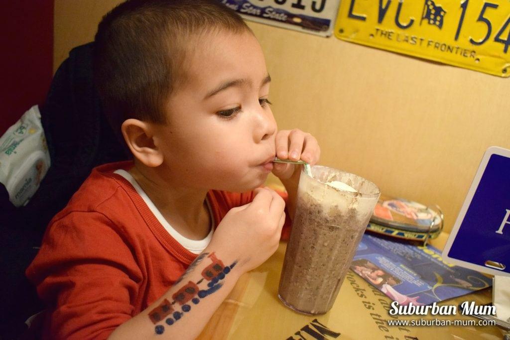 Bubba Gump Oreo milkshake
