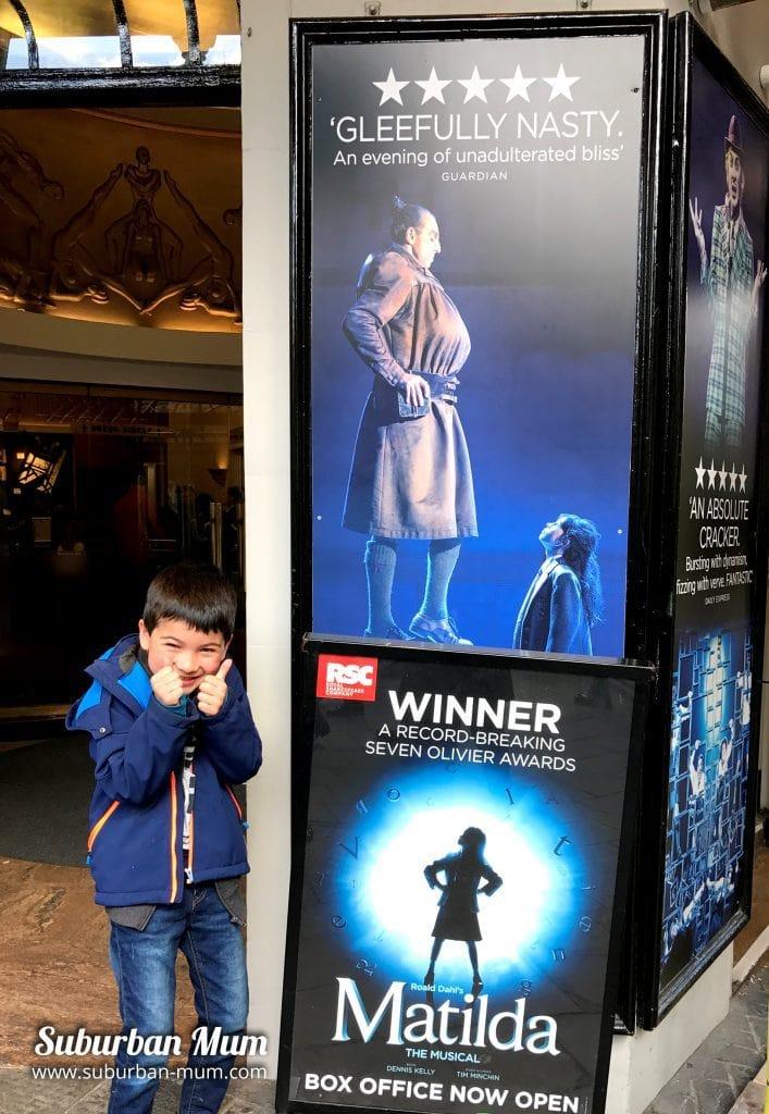 E outside The Cambridge Theatre