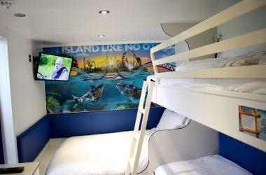 thorpe-shark-room-inside-ft
