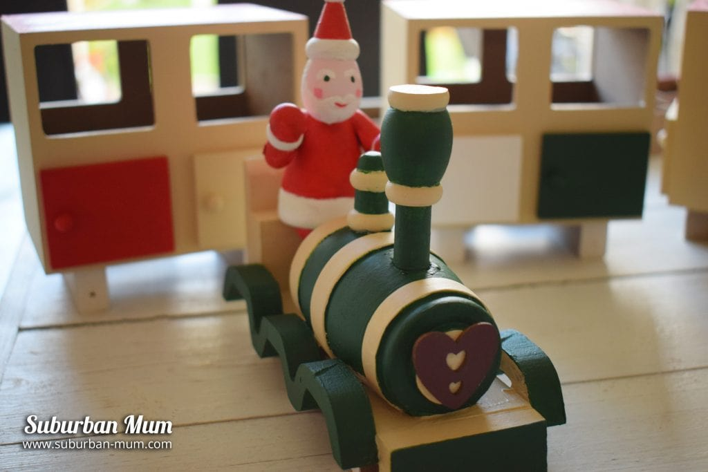 hobbycraft-train-santa-decoration
