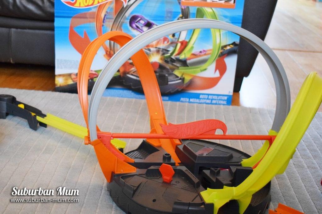 hot-wheels-roto-revolution-track