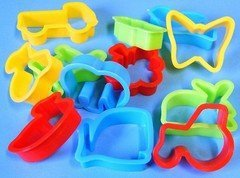 plastic-dough-cutters