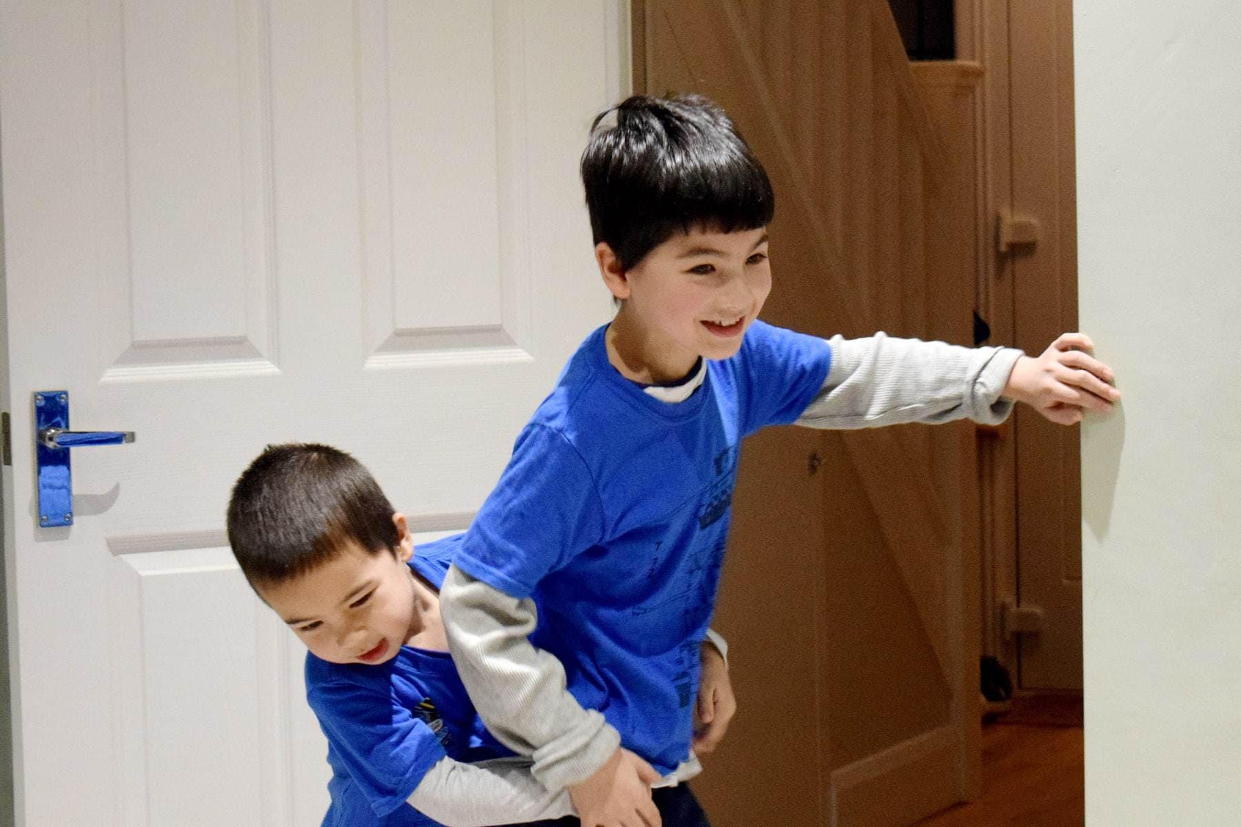 kids-playing-ft