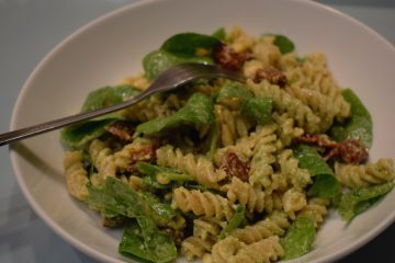 pesto-pasta-with-sundried-tomatoes-ft