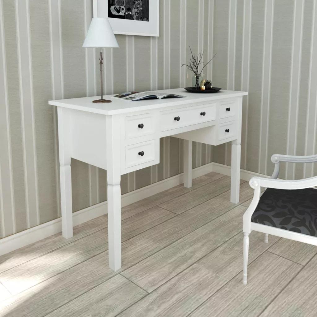 lions-home-desk