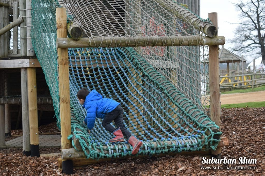adventure-playground-willows-activity-farm