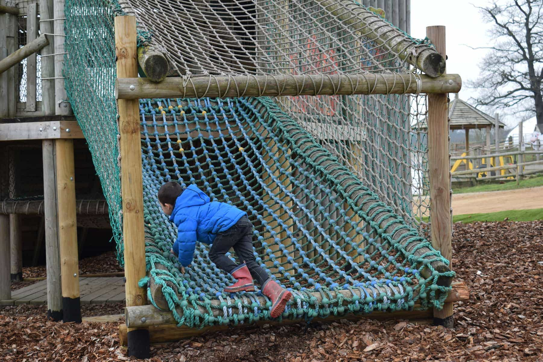 adventure-playground-willows-activity-farm-ft