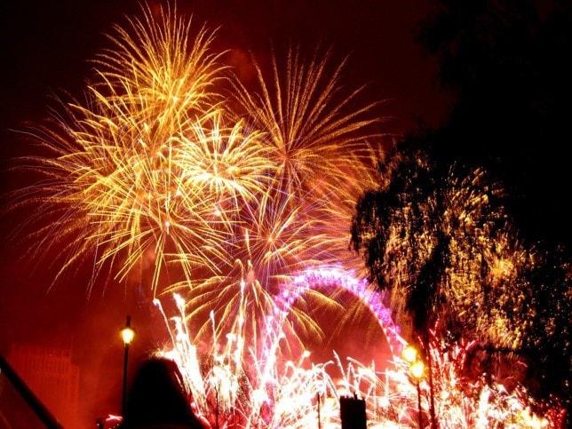 smart-mummy-fireworks