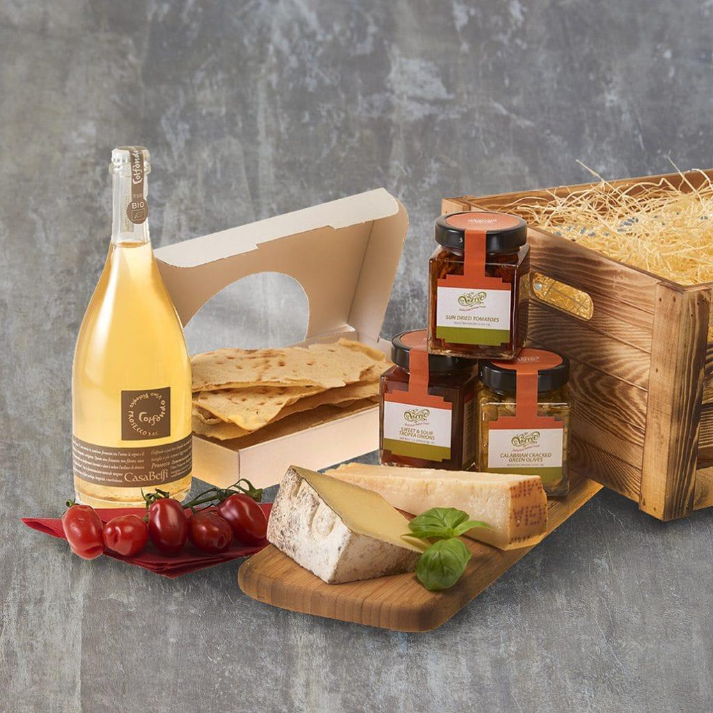 Italian-Cheese-and-Prosecco-Picnic-Hamper