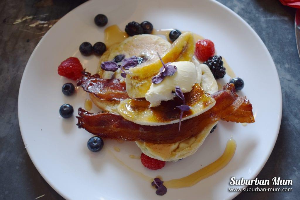 bel-dragon-blueberry-pancake