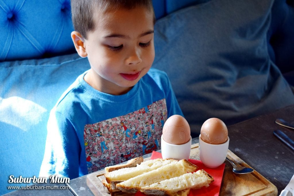 bel-dragon-breakfast-egg-soldiers