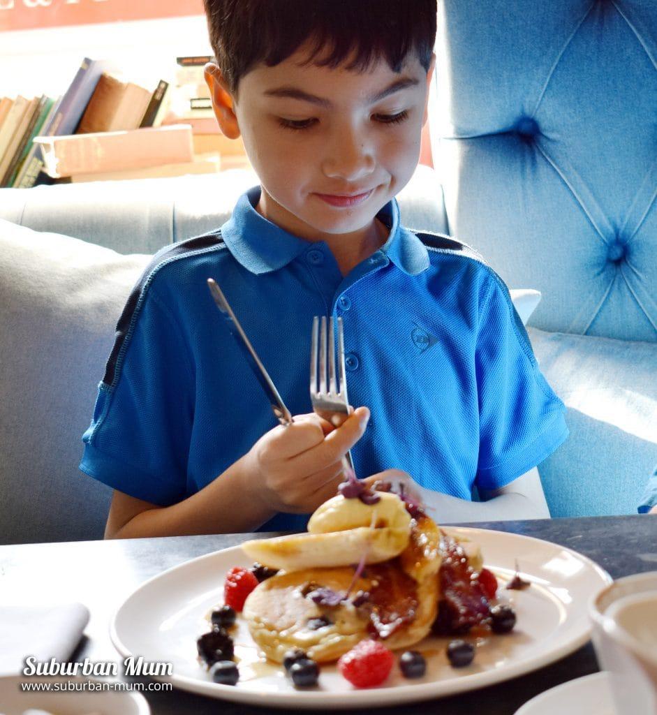 e-blueberry-pancake