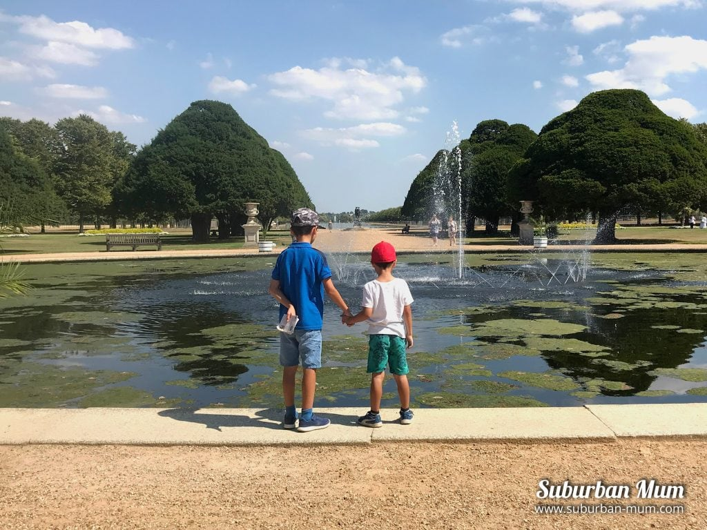 boys-hampton-court-gardens