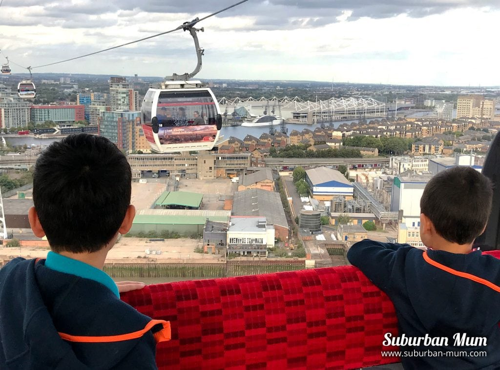 boys-emirates-air-line