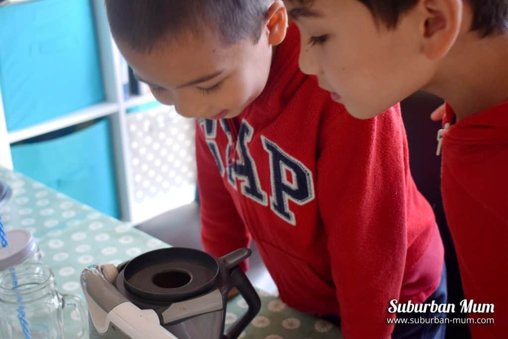 kids-thermomix-toy-mixing