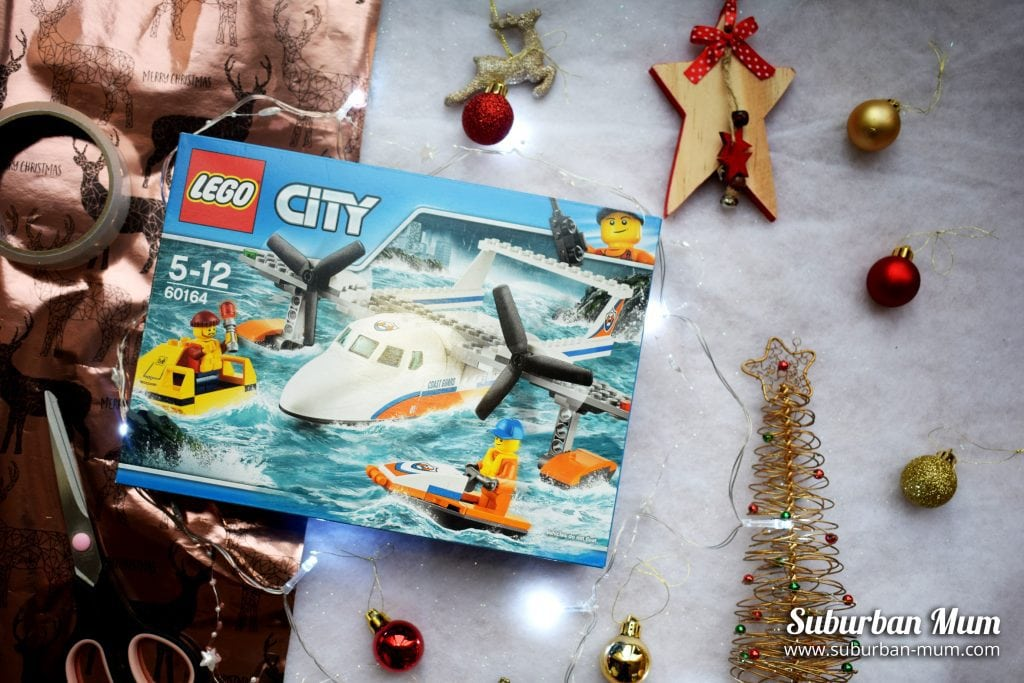 boots-xmas-lego-city-set