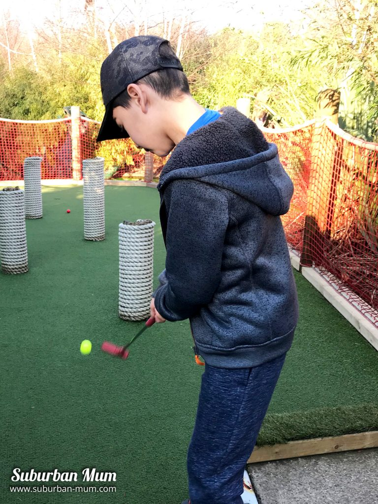 e-crazy-golf-putting