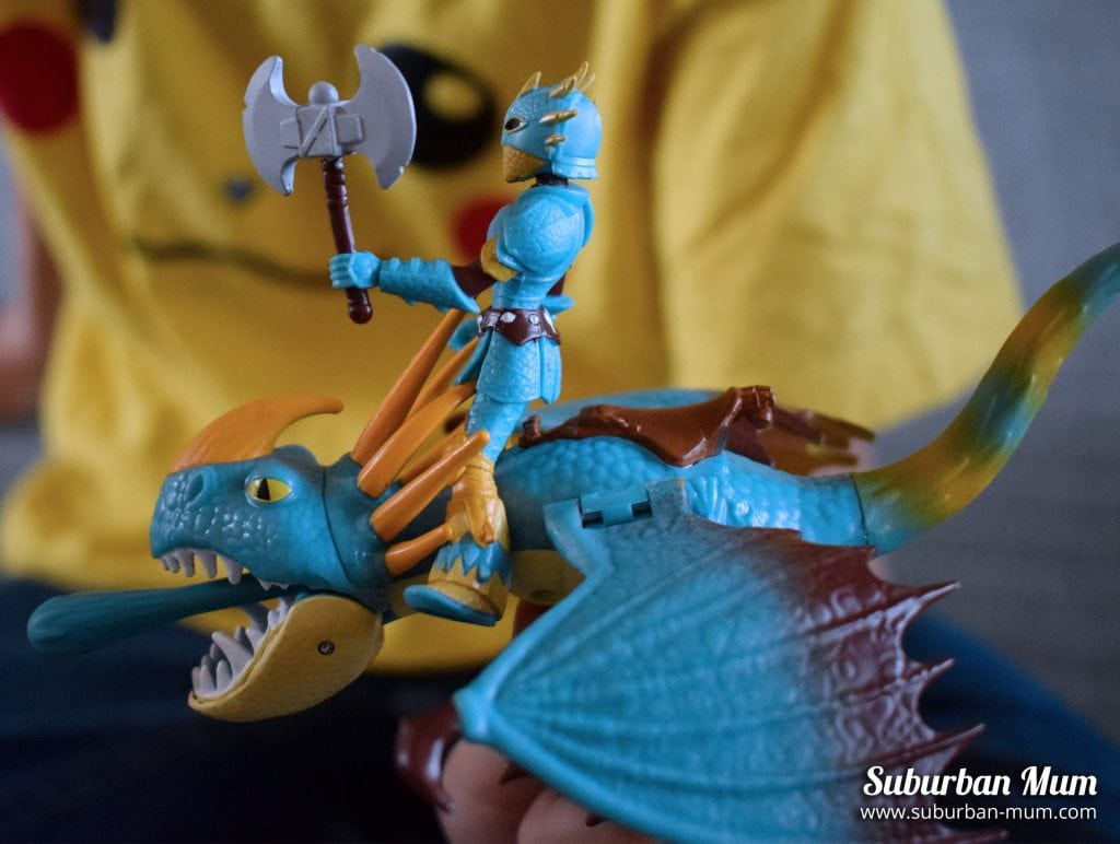 How to Train Your Dragon - Astrid and Stormfly figures