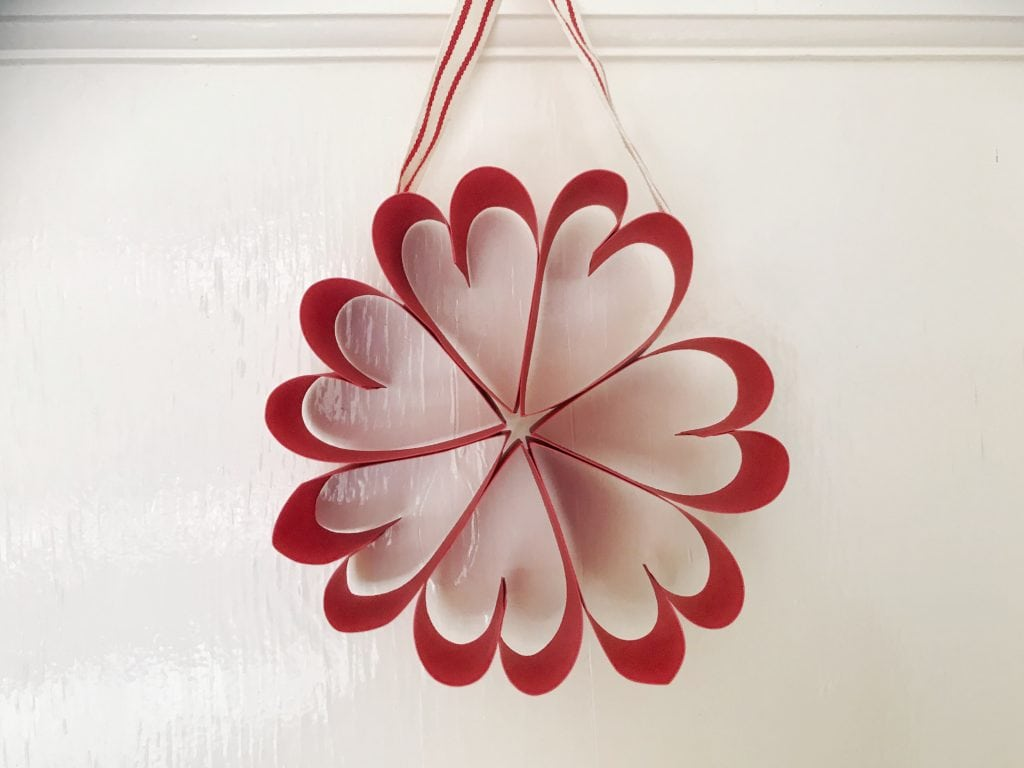 paper heart wreath craft