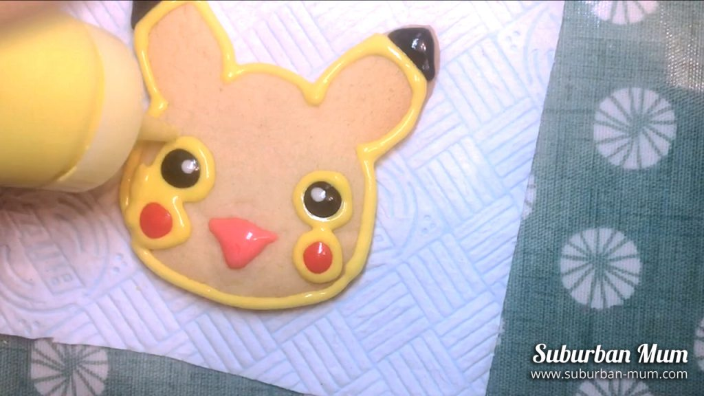 pikachu-cookie-step9