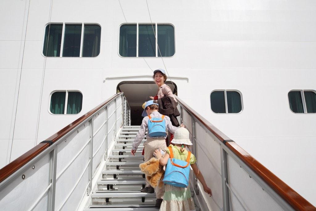 boarding-cruise-ship