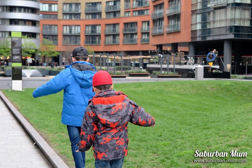 boys-floating-pocket-park