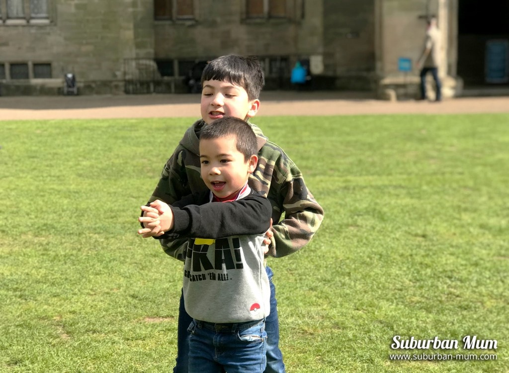 boys-warwick-castle