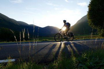 riding-ebike