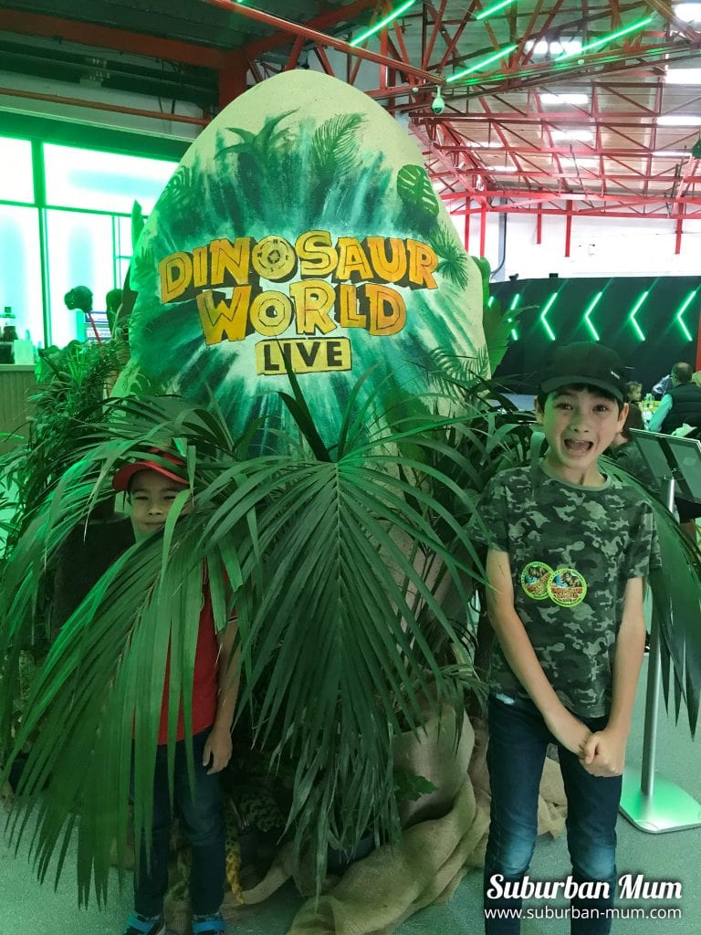 boys-at-dinosaur-world-live
