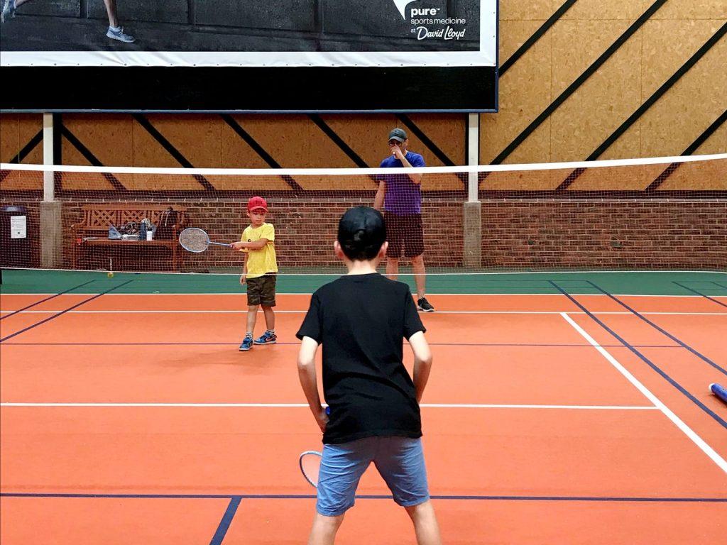 family-badminton2
