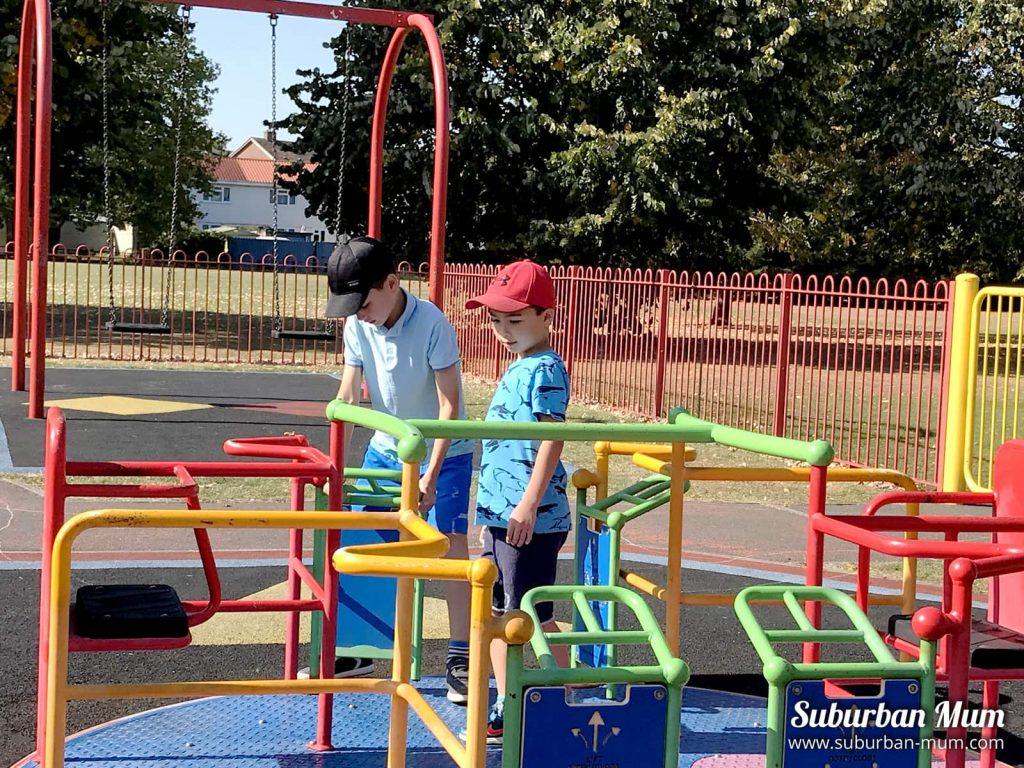 hurst-pool-playground