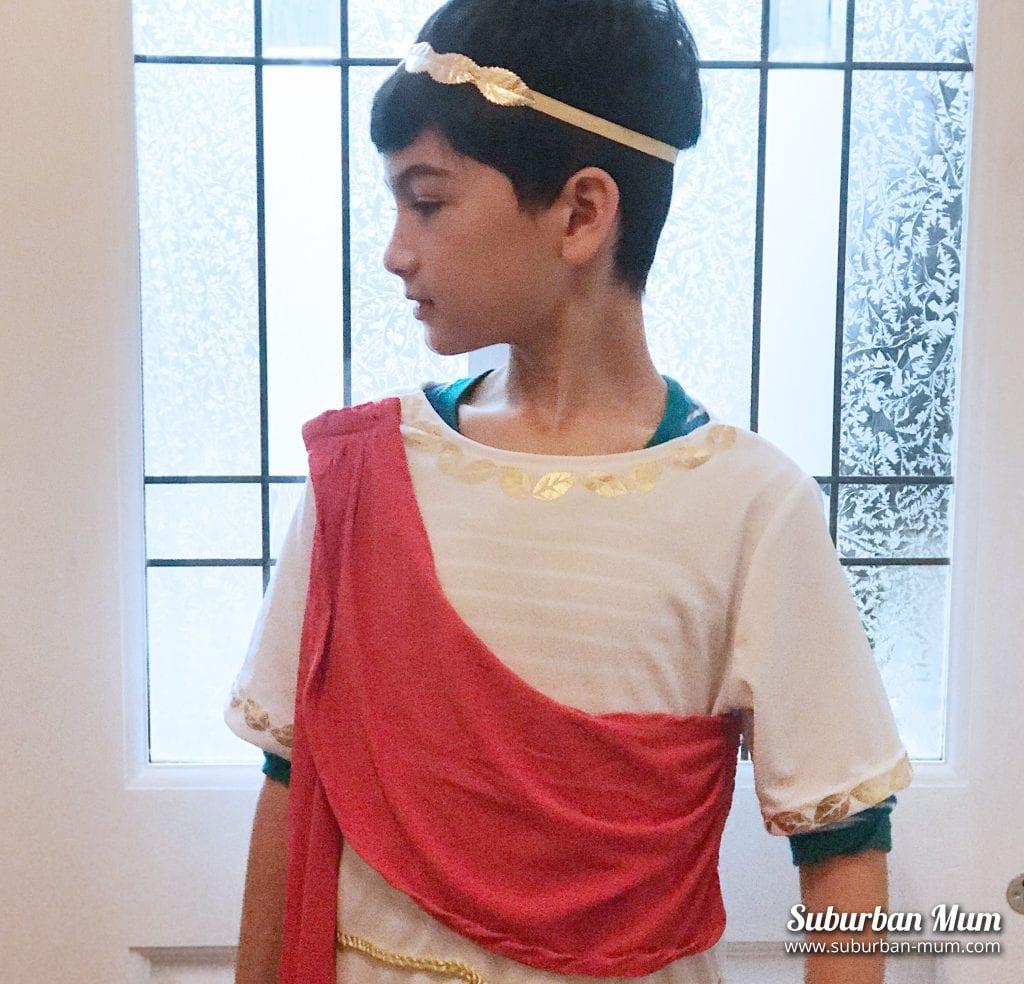 e-greek-costume