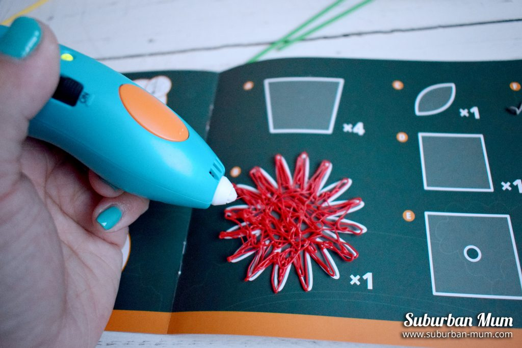 3Doodler-pen-making-flower