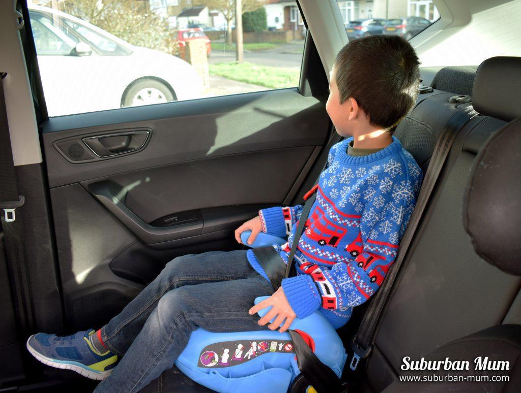 m-on-cargoseat-car