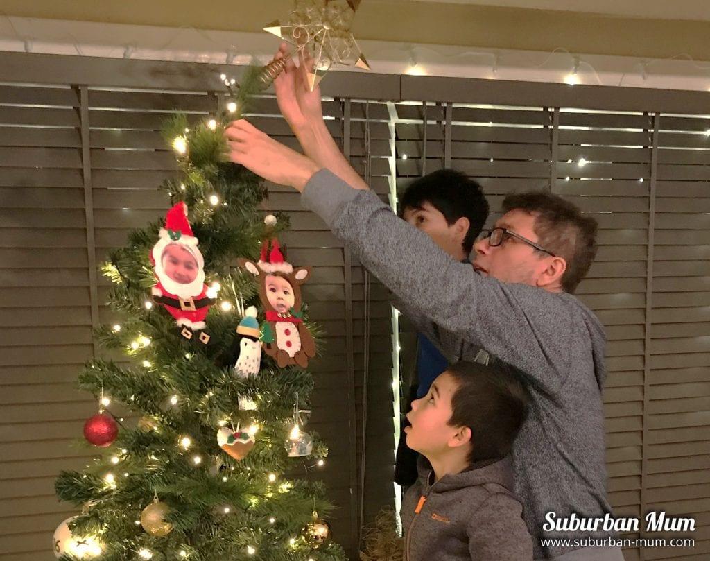 xmas-tree-decorating