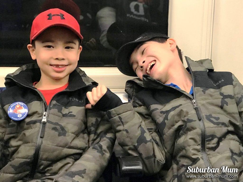 boys-on-tube