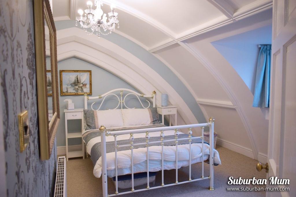 victoria-lodge-main-bedroom