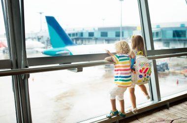 kids-at-airport