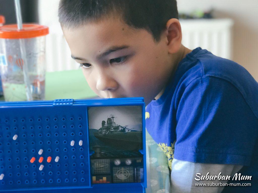 m-playing-battleships