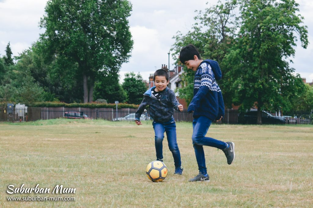 boys-in-park