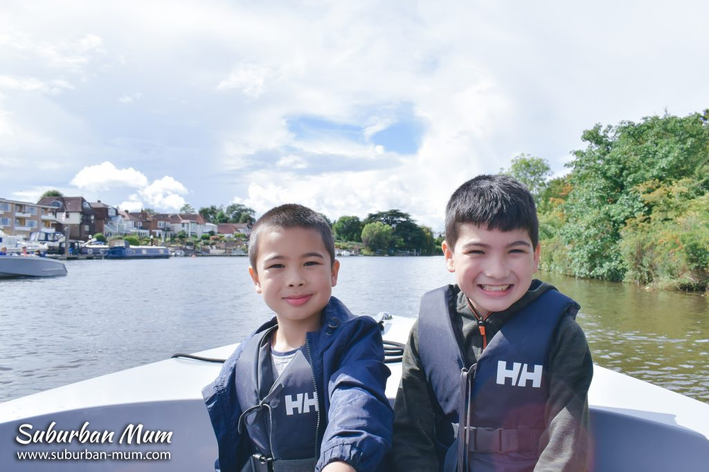 boys-on-goboat-kingston