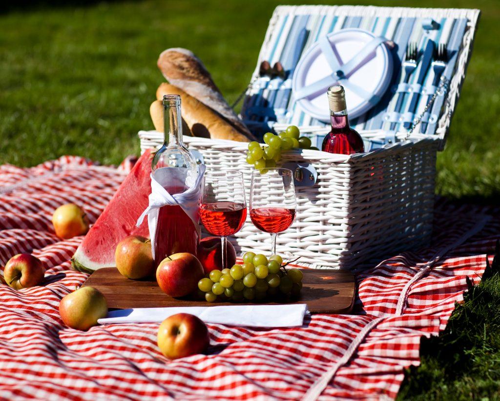 picnic-hamper